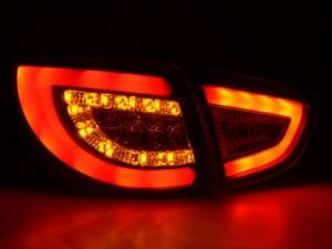 Så här ser lampan ut när du kör på natten och blinkar.